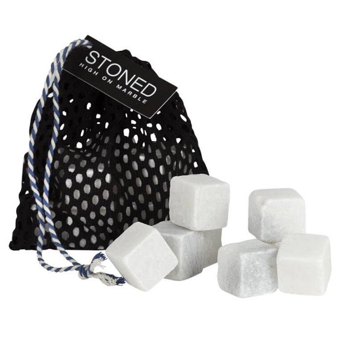 ijsblokjes in marmer voor hergebruik in tasje