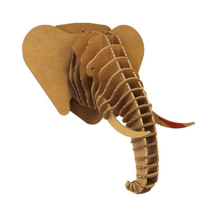 kartonnen olifantenkop als wanddecoratie