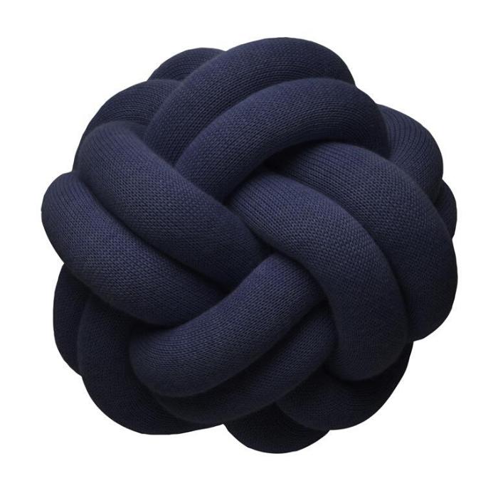 sierkussen blauw knoop navyblue